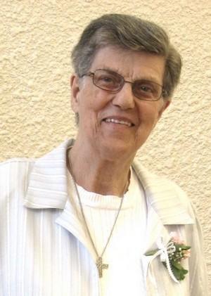 Yvonne CYR
